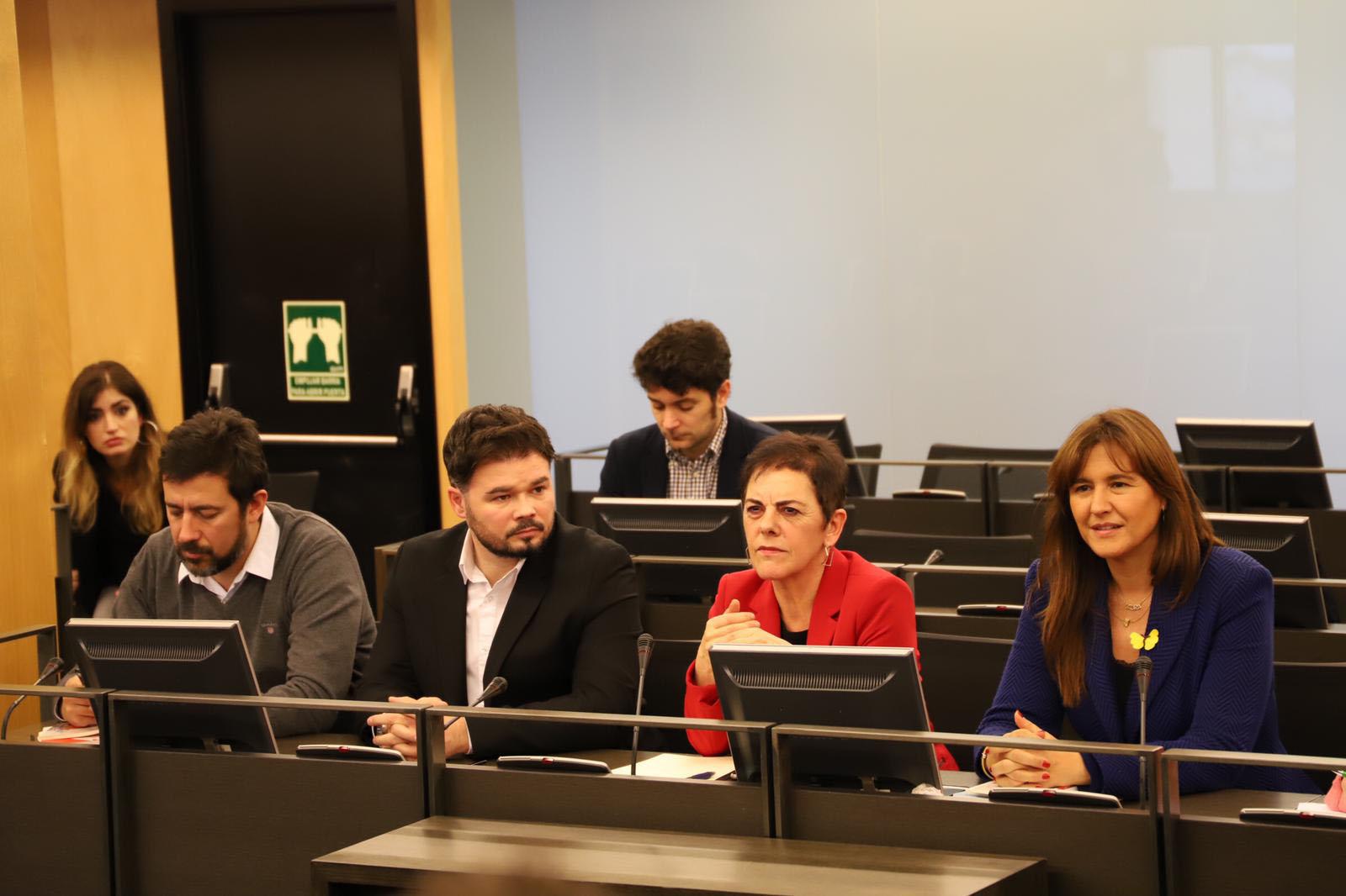 La oficialidá del asturianu llega güei al Congresu