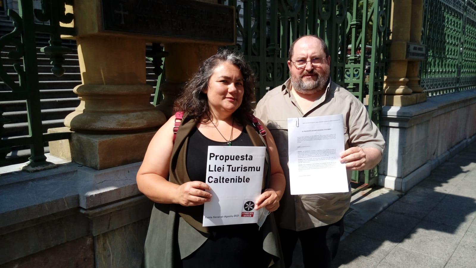 Andecha Astur presenta Propuesta de Llei de Turismu Caltenible